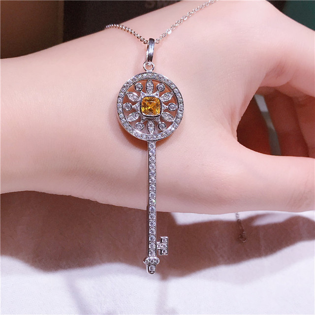 S925 sterling silver keychain necklace with exquisite hollowed-out sunflowers and fashionable joker chain jewelry