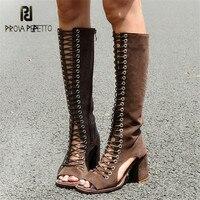 Prova Perfetto Новый Дизайн замши открытый носок Для женщин Летняя обувь выдалбливают Пикантная обувь со шнуровкой до колена сандалии гладиаторы