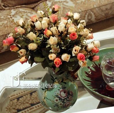 Vases de poterie en céramique peints à la main de style européen