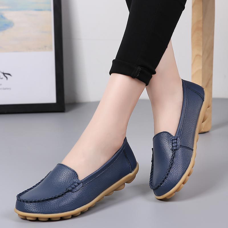 Genuine leather shoes woman 2018 fashion slip-on women flat shoes casual loafers round toe solid female shoes plus size 35-44 fashion horse hair tassels ornament flat shoes loafers shoes black pair size 35