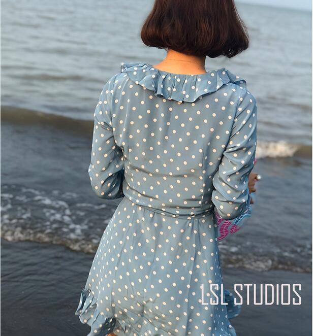 Wrap Spot Longues Neck Soie La À Manches Alexandra Bleu Blue Imprimer Mini 100 poussiéreux Robe V Femmes Volants wSqUn68O8X