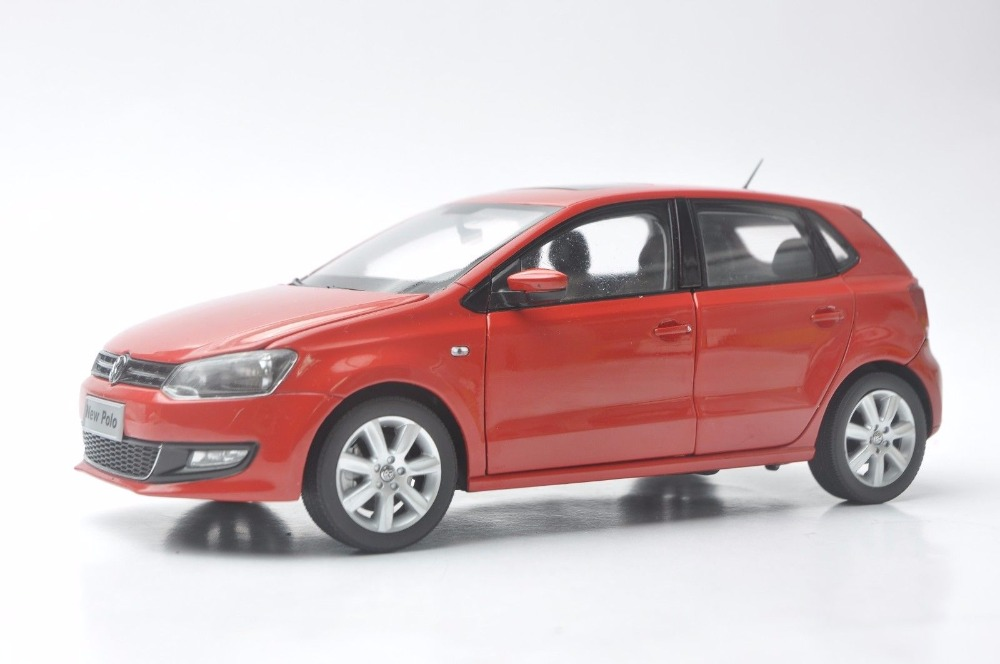 1:18 Diecast Model for Volkswagen VW New Polo 2012 Red Hatchback Alloy Toy Car Miniature Collection Gifts масштаб 1 18 vw volkswagen sagitar 2012 diecast модель автомобиля черный
