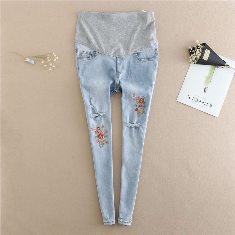 Uovo Light Blue Maternity Jeans Ripped Hole Pencil Pregnancy Trousers Clothes Pregnant Women Embroidery Flower Denim Pants XXL guoran holes ripped jeans pencil pants women s high strech slim denim jeans leggings 26 32 femme pantalon light blue trousers