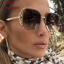 Women Trendy Oversized Frame Square Sunglasses Female Vintage Diamond Rhinestone Bling Sun Glasses UV400 Travel Shades2018