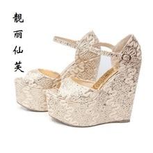 Модные пикантные женские босоножки на платформе золотого цвета из коллекции 2017 года размеры 30-43 Женские туфли-лодочки на высоких каблуках стильная летняя женская обувь размеры 31 32
