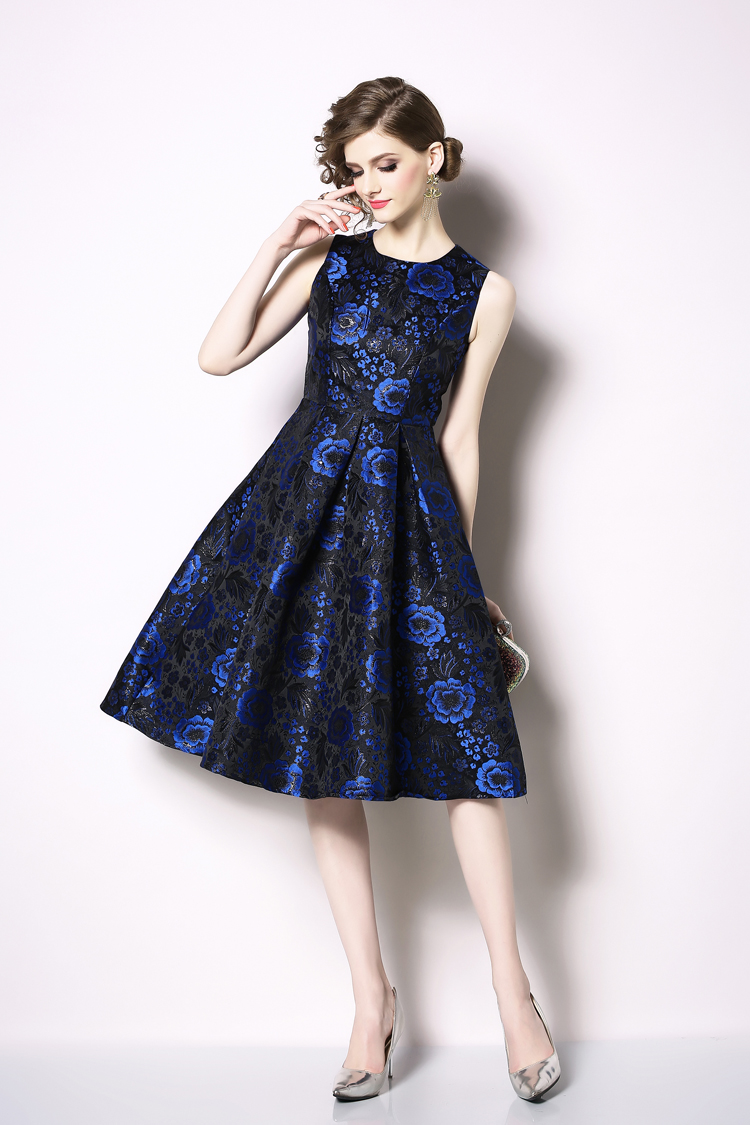 Elegant Sleeveless Printed Vintage Swing Dress 2