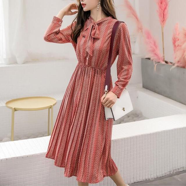 2f28b7b7ea4ee Korean Fashion Lady Striped Print Long Chiffon Dress 2019 New Spring Women  Long Sleeved Floral Print Pleated Dresses Red,Black