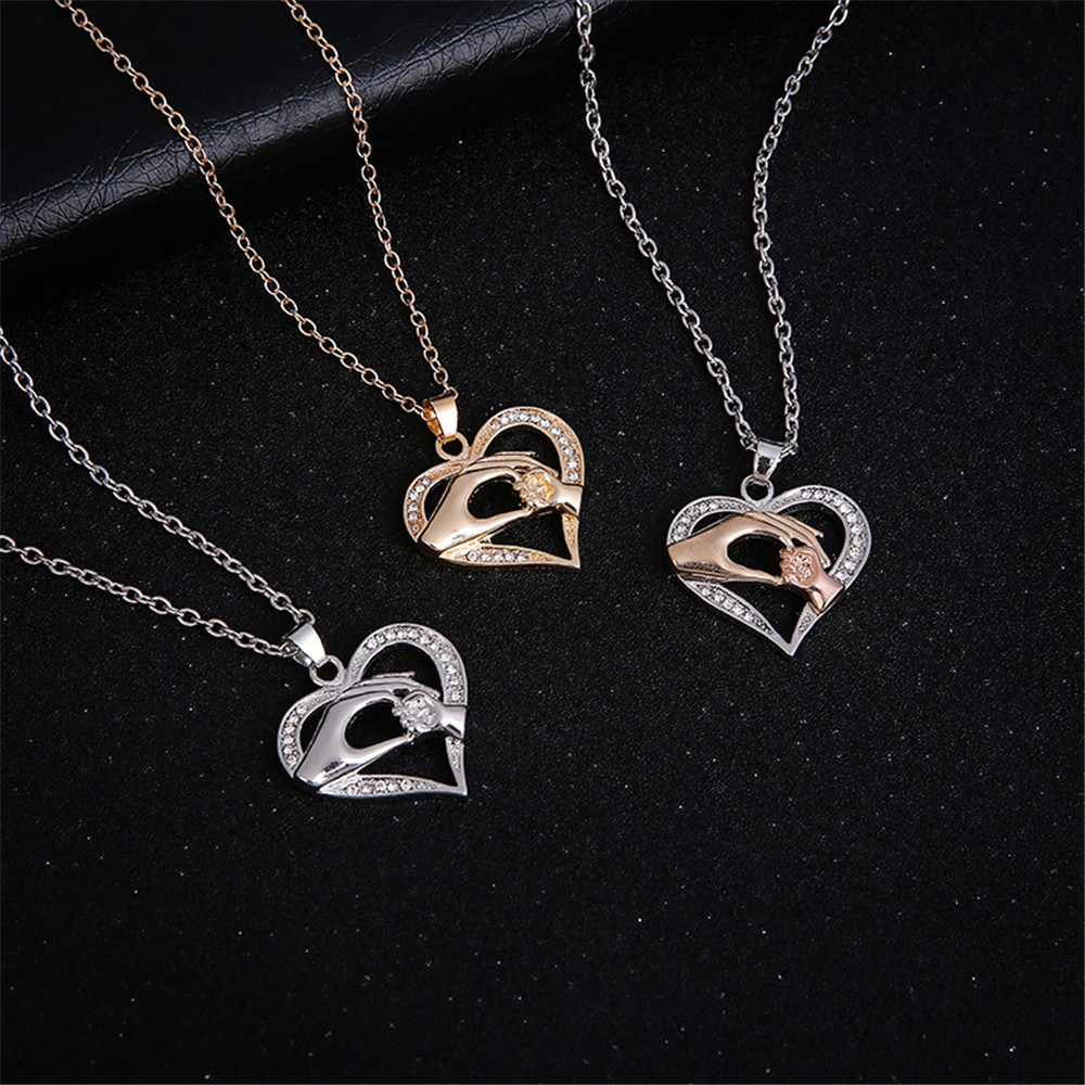Hot New Fashion Mothers Day Mom Hold Kids Children Hand Love Heart Pendant Chain Necklace