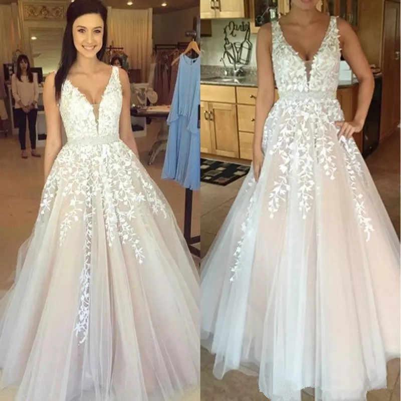 V Neck White Lace Full Wedding Dresses