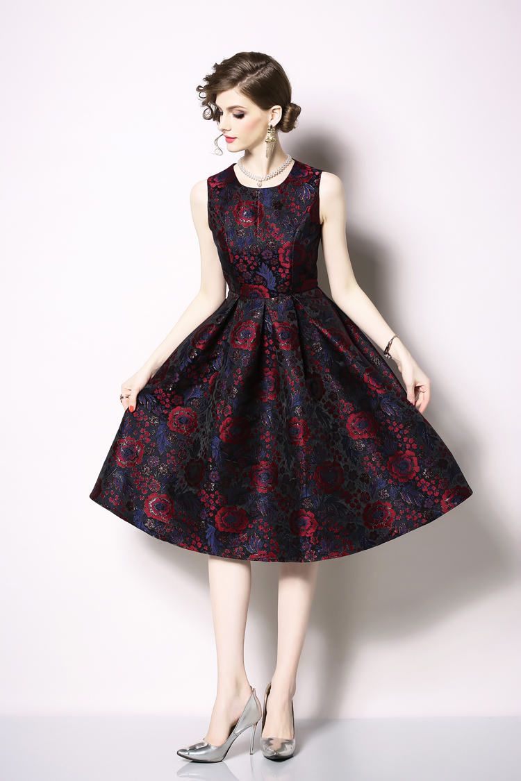 Elegant Sleeveless Printed Vintage Swing Dress 18