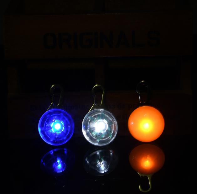 Linterna de luz LED para el cuello de tu mascota. 5
