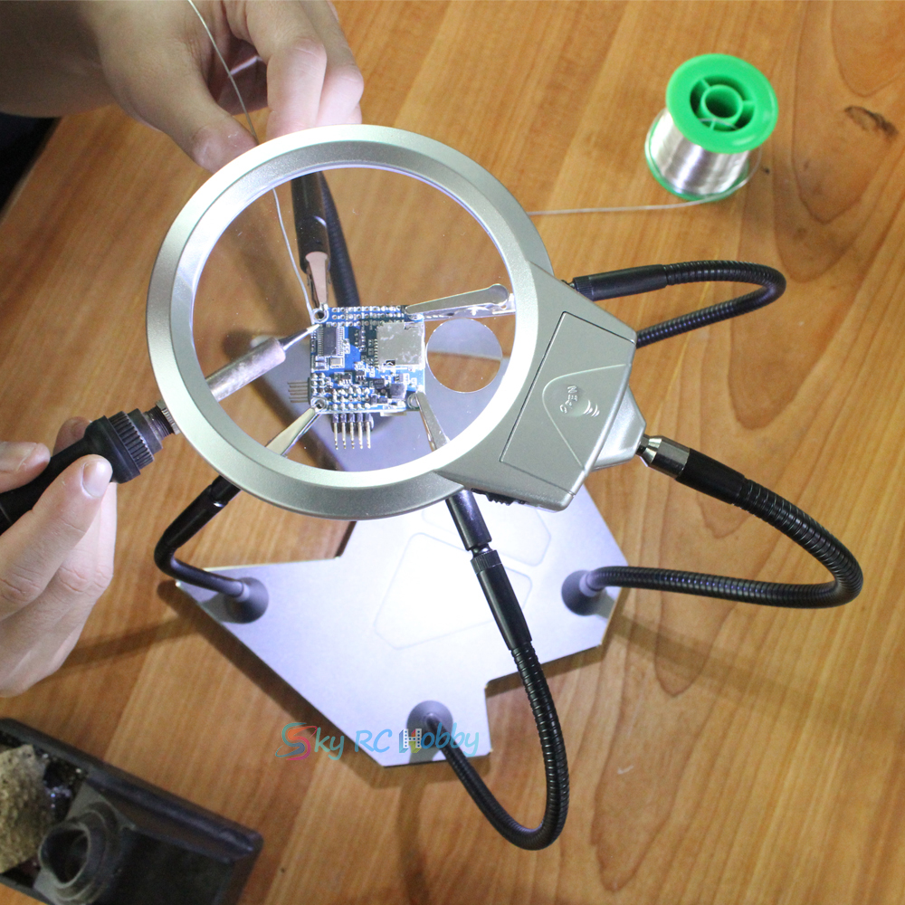Soldering Helping Third Hands Tool Stand Magnifier 5X Magnifying Glass LED Light 4 Alligator Clips 360 Degree AdjustableSoldering Helping Third Hands Tool Stand Magnifier 5X Magnifying Glass LED Light 4 Alligator Clips 360 Degree Adjustable