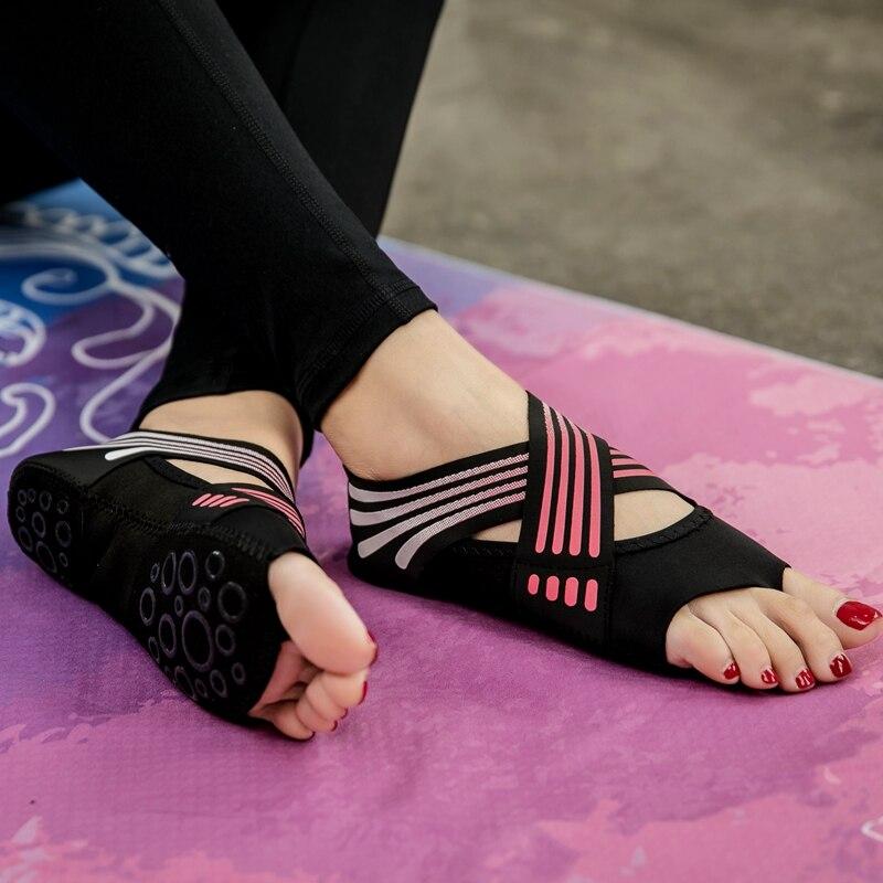 Hot Indoor Modern Dance Yoga Shoes Fitness Training Women Pilates Ladies Toning Sneakers Cute Anti Slip Open Toe Gym Barefoot slip-on shoe