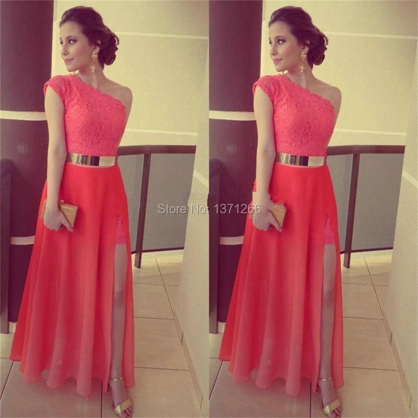 Вечернее платье с золотым поясом