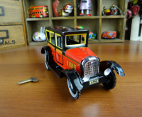 Vintage iron metal toys classic taxi tin baby toy wind up toys