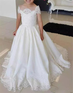New White Off Shoulder Flower Girls Dresses for Wedding Lace Applique with Train Actual Image
