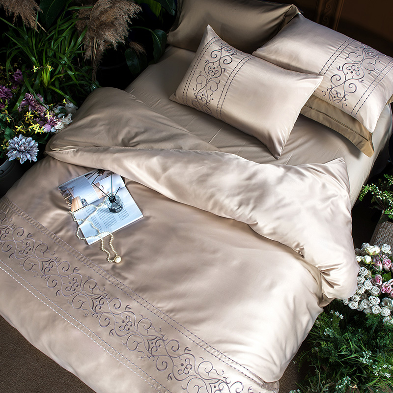 (3)  White silver cotton imitate silk luxurious Bedding Set queen king measurement mattress set Bedsheets linen Europe embroidery Quilt cowl set HTB18KNBeHwrBKNjSZPcq6xpapXaP