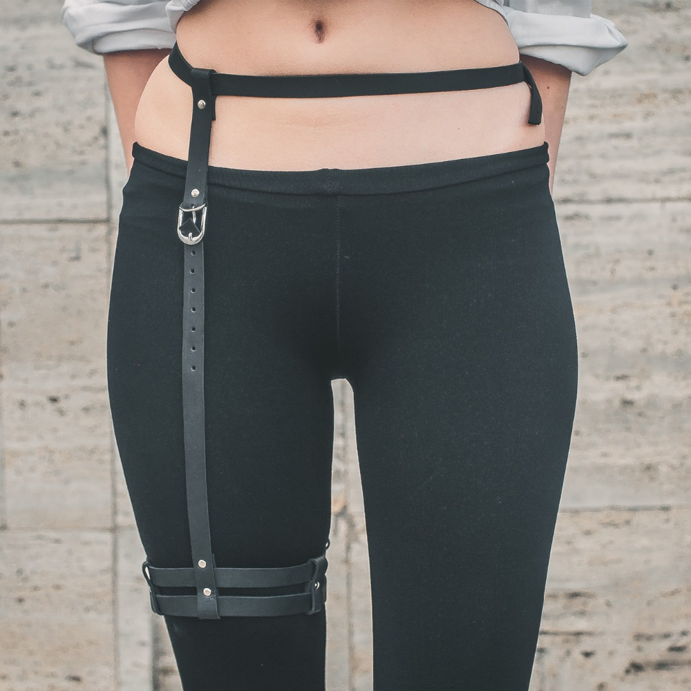 Fashion Punk Gothic 100% Handmade Leather Harness Thigh Leg Garter Belt Cross Waist Cincher Suspender Belt