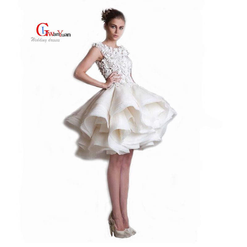 Голые фото в бальных платьях фото 661-379