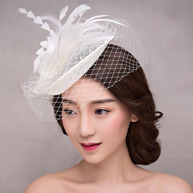 2017 Novo e Elegante Acessórios Para o Cabelo de Noiva Branco Tulle Featherl Chapéus Do Casamento para Noivas