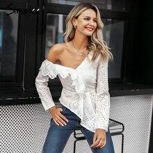Simplee Sexy ruche witte katoenen kant borduurwerk blouse vrouwen Asymmetrische een schouder vrouwelijke blouse Streetwear koreaanse tops