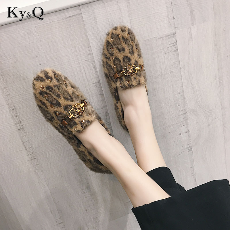2018 New Shoes Women Fur Flats Top quality Flat Shoes European Style Loafers Round Toe Casual Shoes Plus 36-40 Size spring summer flock women flats shoes female round toe casual shoes lady slip on loafers shoes plus size 40 41 42 43 gh8