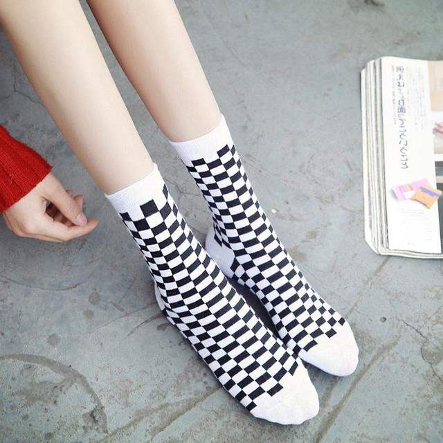 Korea Funky Trend Checkerboard Geometric Checkered Socks 1