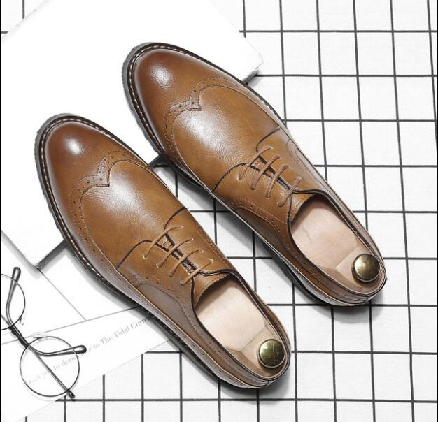 2019 New Men Leather Dress Shoes Luxury Brand Shoes Classic Brogue Mans Footwear Formal Shoes Bullock Shoes Big Size 37-46