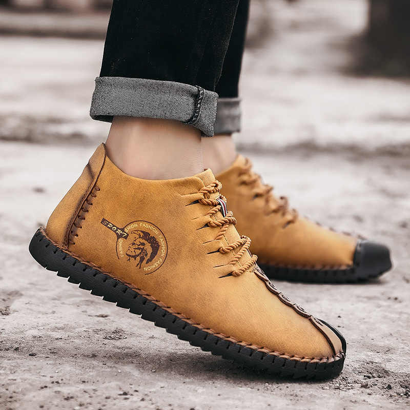 2018 modne skórzane buty mężczyźni Retro obuwie mokasyny antypoślizgowe trampki super modne mieszkania czarne Zapatillas Hombre mężczyźni buty