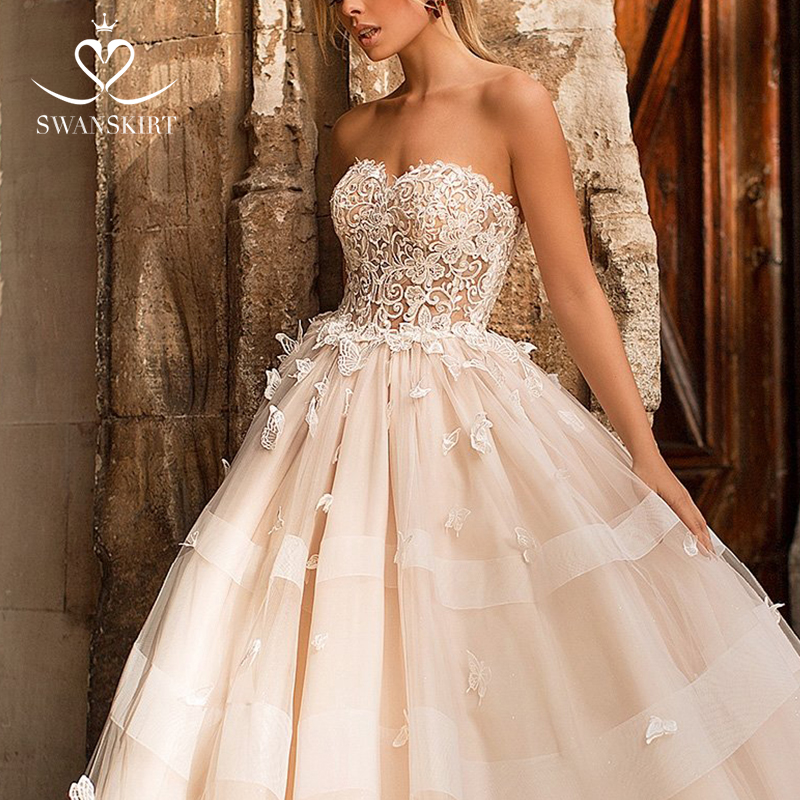 Image 2 - Romantic 3D butterfly Wedding Dress 2019 Swanskirt Appliques A Line Princess Lace Up Bride Gown vestido de noiva N101-in Wedding Dresses from Weddings & Events