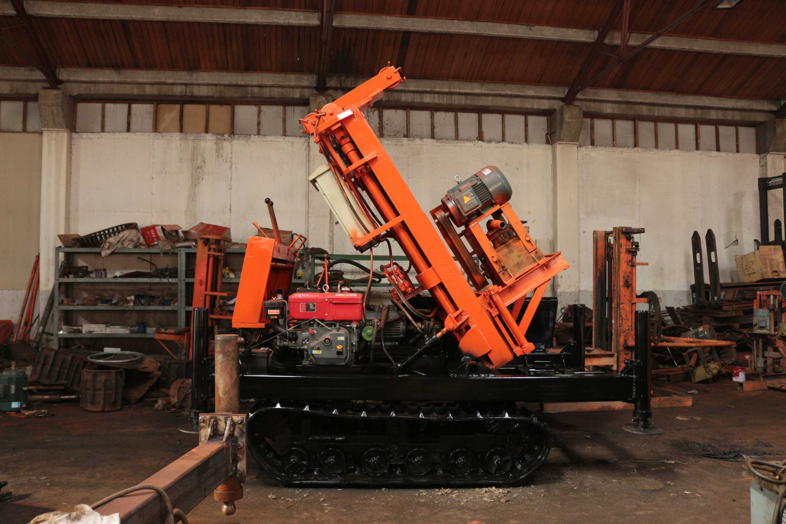 Drilling machine piling machine to play well dewatering well
