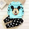 2016 nuevo bebé primavera ropa y ropa de las muchachas que arropan el sistema lindo de la historieta impresa Mickey camiseta + pantalones de algodón ropa