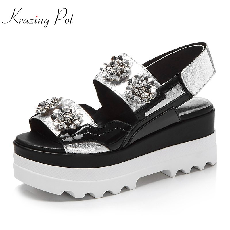 Krazing Pot 2018 new cow leather hook loop platform beauty lady rhinestone peep toe thick bottom runway silver color sandals L19