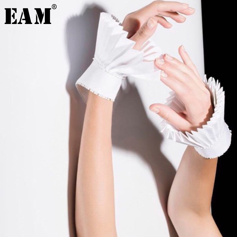 [EAM] High Quality 2019 Spring Solid White Temperament Simple Wild Fashion New Women Pleated Fold Stitch Cuff Fake Sleeve LA243
