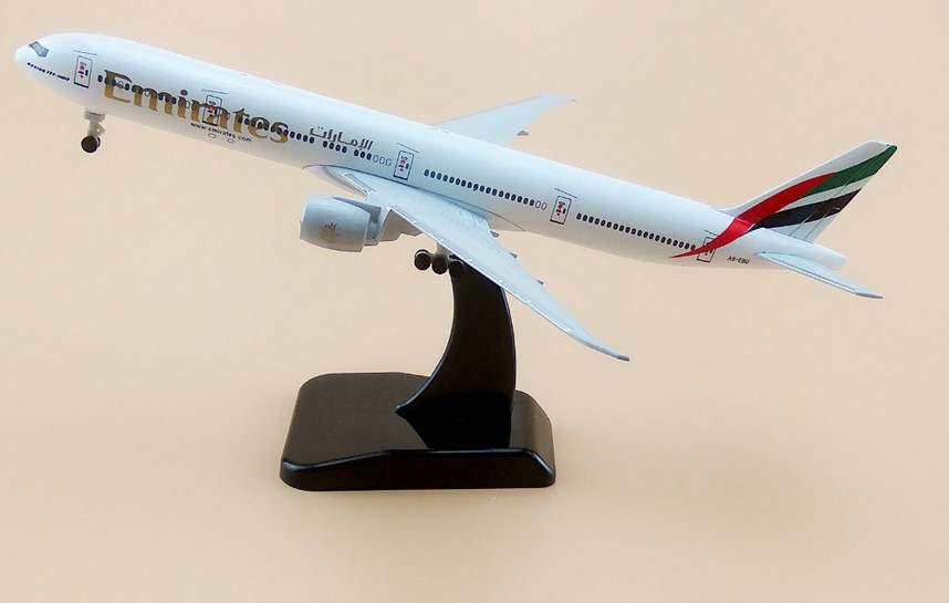 19cm Metal Plane Model Air Emirates Airlines B777 300ER Airplane Model Boeing 777 Airways Aircraft w Wheels Stand image