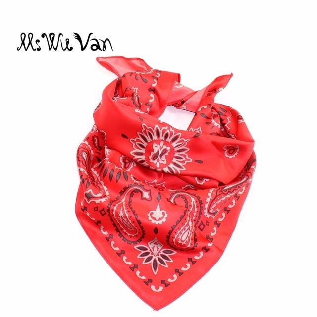 Paisley Bandana Floral Carré Foulard De Soie Satin Hommes Foulards Pour  femmes Imprimé Pastel Rose Gris da65ea49d2c