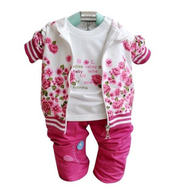 Outono roupas infantis da moda meninas inverno define 2015 3 PCS Set casacos + t-shirt + calças / rosa quente das meninas roupas Flowe coração CL0713