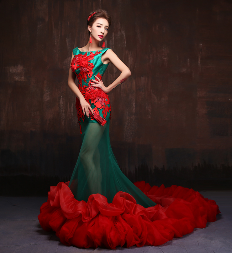 Italy Design Luxury Long Tail Latest Wedding Dresses 2015 Fashion Retro Embroidery Lace Red Green Salon Theme Stage Show Dress In From