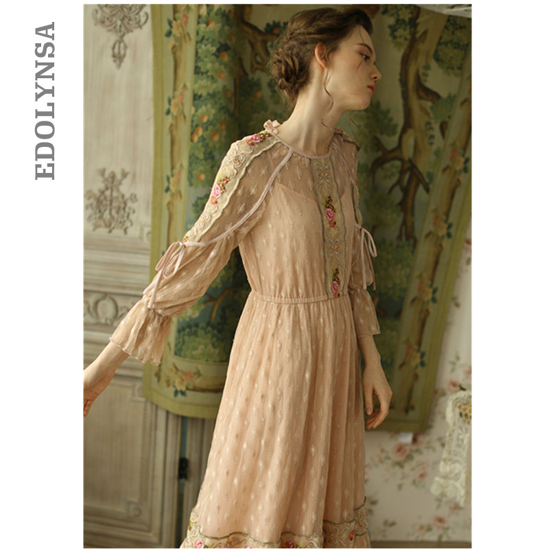 Luxury Victorian Wedding Dress Vintage Pink Fit And Flare Precision Hand Made High Quality Embroidery Lace