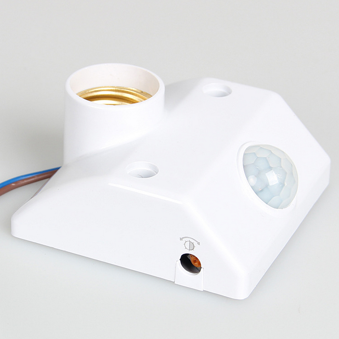 цена на High QualityE27 AC220 50/60HZ Infrared Motion Sensor Automatic Light Lamp Holder Switch Intelligent Light Motion Sensing Switch