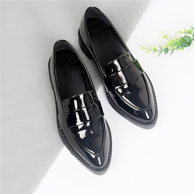 Teahoo Slip On Fur Loafers Women Pointed Toe Winter Shoes Patent