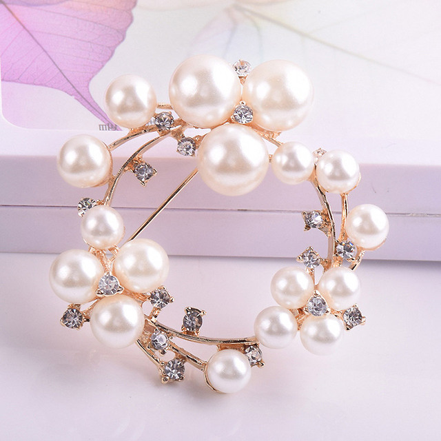 Crystals Simulated pearl round brooches