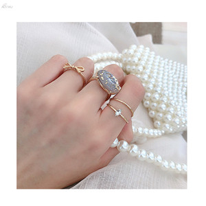 AOMU-4PCS-Vintage-Boucle-Alloy-Rings-For-Women-Crystal-Ring-Shiny-Tin-Foil-Sequins-Stone-Ring