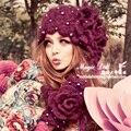 Magia grandes muñecos de invierno para mujer para mujer de la flor gentlewomen perla púrpura tejida diseño moda sombrero de flores sombrero de invierno