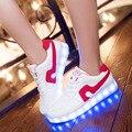 Светодиодные светящиеся обувь женская повседневная обувь 2017 Новые Поступления плюс размер Led женская обувь
