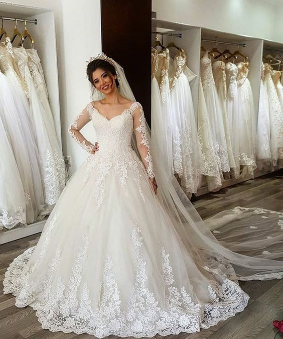2019 Ball Gown V-Neck Long Sleeve Wedding Dresses Lace Appliques Gowns Custom Made Lace Up Bridal Dresses Floor Length