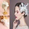 2016 Elegante de Cristal Pena Branca Headpiece Nupcial Cabelo Pente Clipe Artesanal Tiara de Casamento Acessórios Para Mulheres