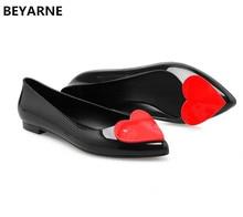 Beyarne mulher geléia sapatos dedo do pé apontado senhora plana sandálias de chuva feminino estudante verão praia sandália doces cor adorável coração ouro 41