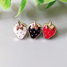 10pcs/lot One-Hole Strawberry Buttons Sewing-On Metal Button For Clothes Fashion Craft DIY Decoration 8 *12mm High Quality