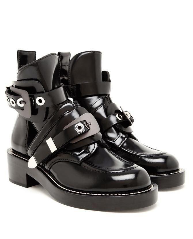 여성 신발 가죽 발목 오토바이 부츠 승마 검투사 부티 플랫 컷 아웃 스퀘어 힐 버클 활주로 부츠 여성용 size42-에서앵클 부츠부터 신발 의  그룹 1